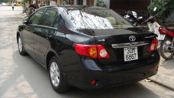 Cho thue xe 4 cho Toyota Altis tu lai