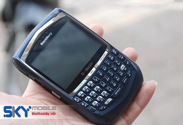 Dia chi ban Blackberry 8700 gia tot nhat tai Ha Noi