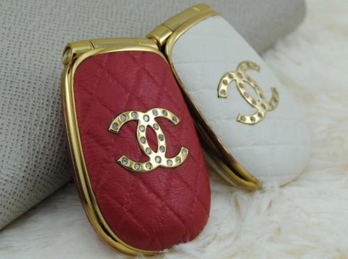 Dien thoai Chanel M9 thoi trang moi ve