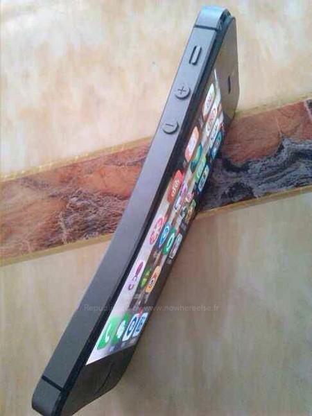 IPhone 5S bi uon cong khi dat trong tui quan
