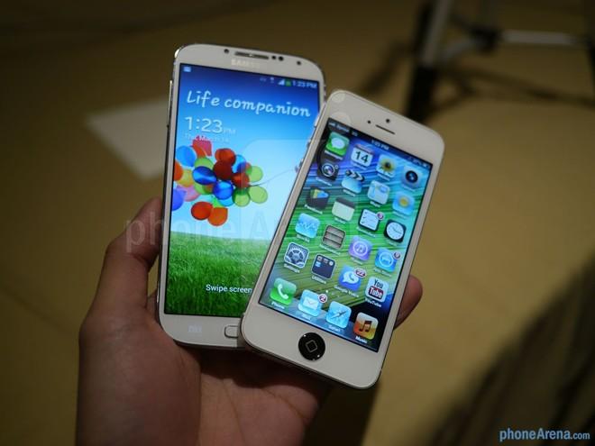 Ra iPhone moi nguoi dung dong loat bo Samsung