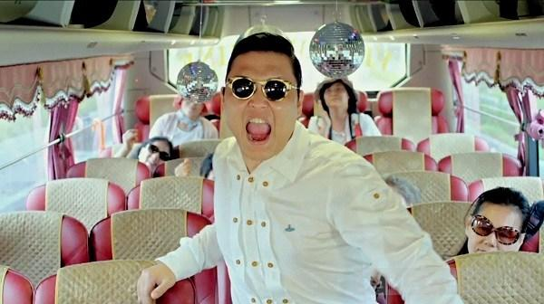 Style bat mat cua ngoi sao Gangnam Style PSY