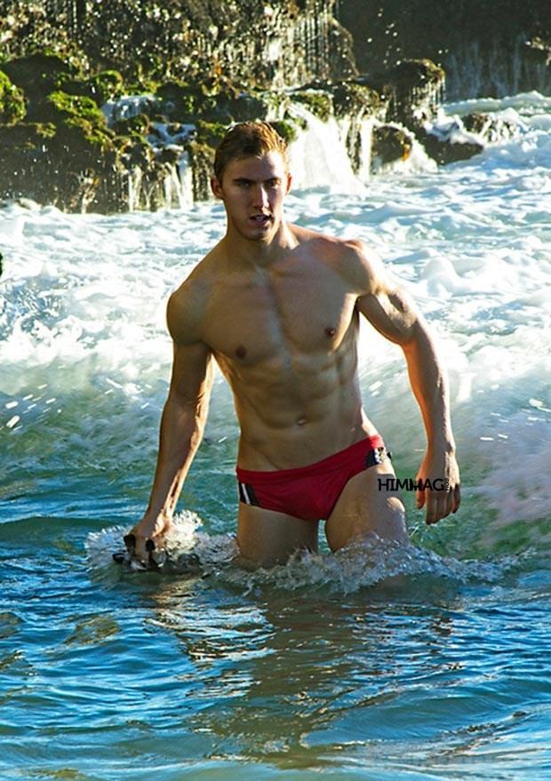 Swimwear Timoteo Lua chon cho nam gioi mua lanh
