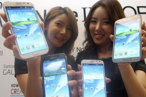 Vi sao smartphone man hinh lon hut nguoi dung